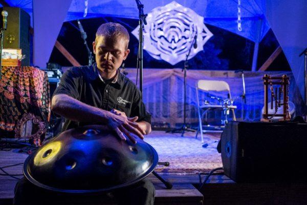 Iskra Handpan and Sean Beever of Symphonic Steel